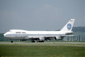 Pan_Am_Boeing_747_at_Zurich_Airport_in_May_1985